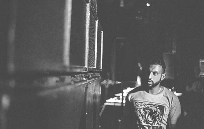 V.I.V.E.K – Road To Right Dub / tracks